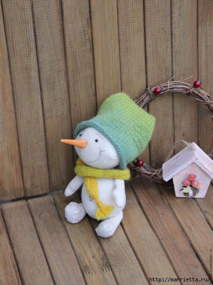 Шьем сами плюшевого снеговика (8 фото) - картинка