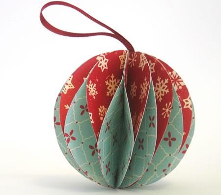 Как сделать из бумаги шарик на елку