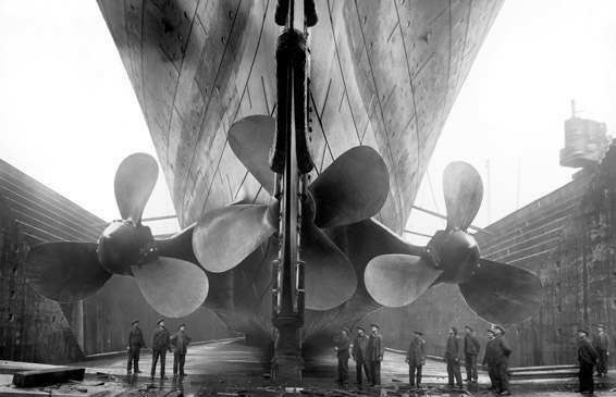Титаник перед спуском на воду.