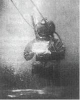 Самое старое подводное фото в мире было сделано Уильямом Томпсоном в 1856 году....