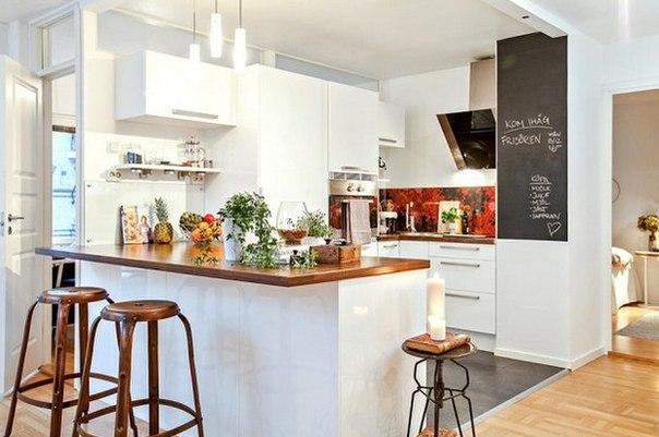 Как грамотно зонировать пространство: удачный пример В планировке этой скандинавской квартиры сложно найти хоть один недостаток: здесь обустроили две спальни, гостиную, кухню, столовую и даже кабинет, сохранив ощущение простора