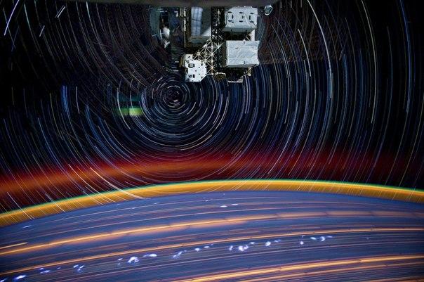 Звездное небо из космоса.