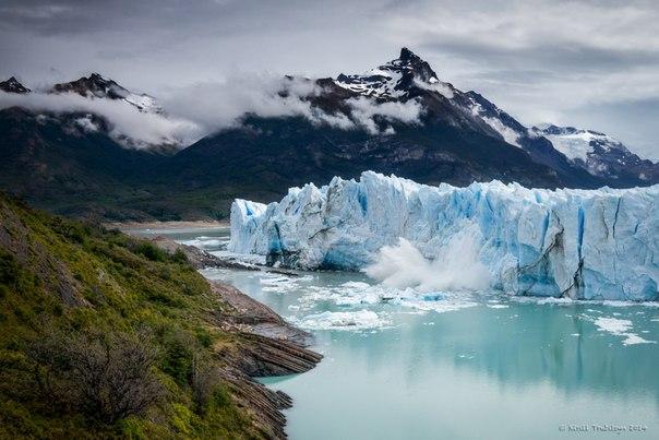 Перито-Морено — один из немногих ледников, которые в условиях глобального потепления климата не уменьшаются в размерах. Потери массы ледника и величина новообразованного льда в области питания примерно равны, поэтому Перито-Морено не наступает и не отступает уже более 90 лет!