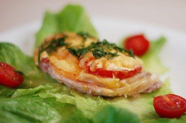 Мясо по-французски с картошкой и помидором в духовке рецепты