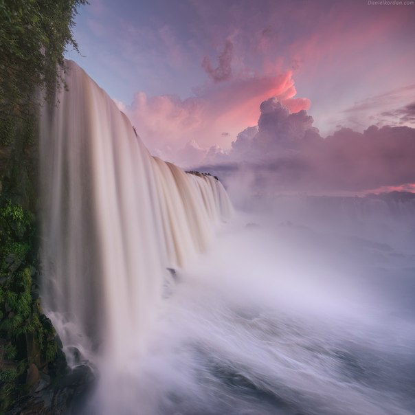 Водопад Игуасу, Бразилия. Автор фото: Даниил Коржонов.