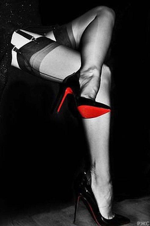 Фото женских ножек в чулках и туфельках 48865 фотография