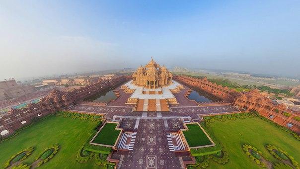 Самый грандиозный индуистский храм в мире