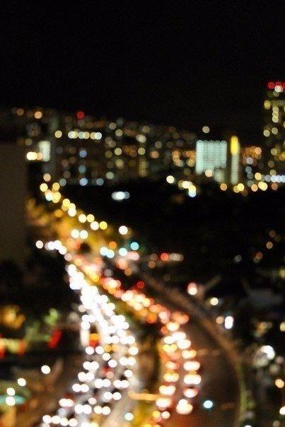 Ночь — это время глупых мыслей и потрясающих идей.