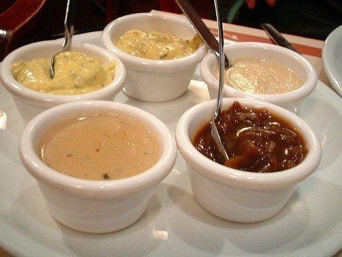 5 рецептов соусов к мясным блюдам