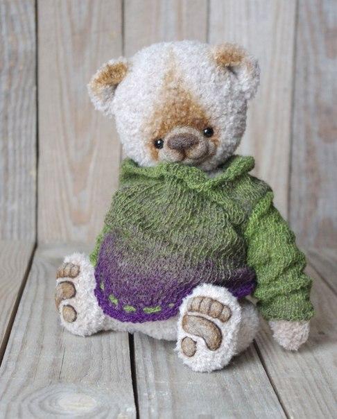 Мишка Бумба, или просто Бум, проснулся от зимней спячки в первый день весны. Но ему немного холодно … (5 фото) - картинка