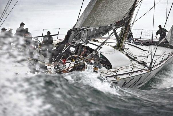 А вот еще один гид для смелых —как получить яхтенные права и научиться бросать вызов стихии в форме корабельного приключения