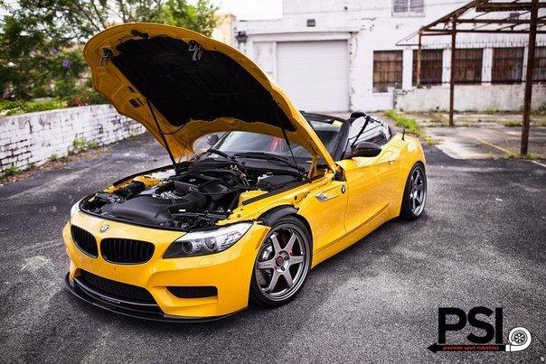 BMW Z4. #CarsGirls
