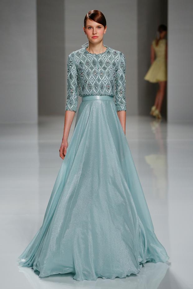 голубое платье в пол Джорджа Хобейки
