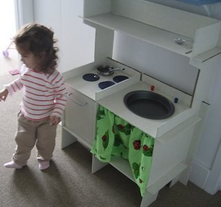 Детская игрушечная кухня своими руками. Идеи для вдохновения....