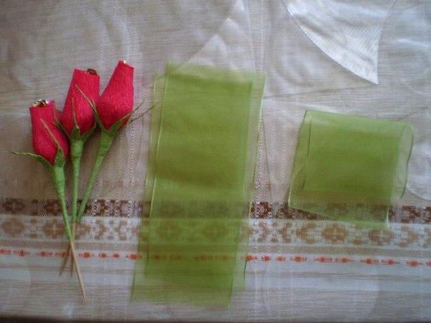 Розы без конфеты из гофрированной бумаги своими