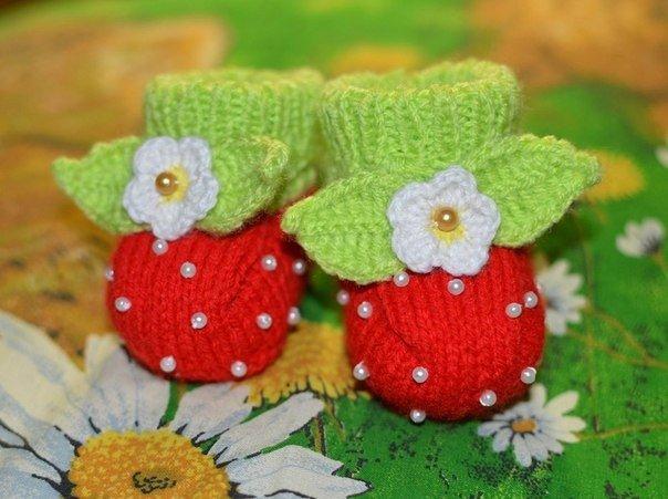 Пинетки ягодки. Мастер-класс (7 фото) - картинка