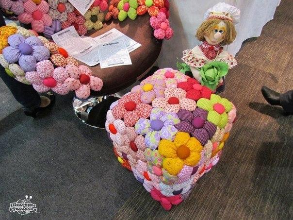 Как украсить пуфик цветочными мотивами…. (10 фото) - картинка