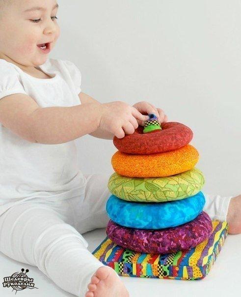 Идея для вдохновения: яркие, мягкие, цветные пирамидки для деток… (9 фото) - картинка