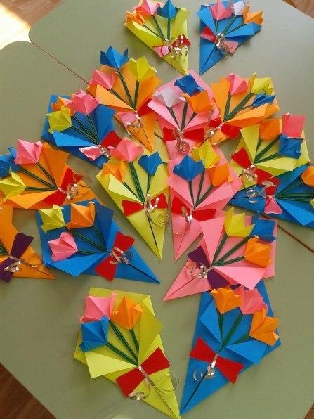 Как сделать маме подарок на 8 марта оригами