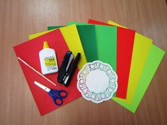 Как сделать подарок для мамы из цветной бумаги