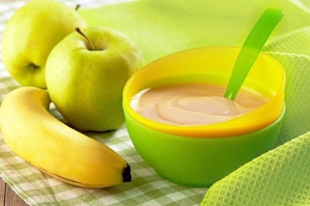 ТОП-10 ДЕТСКИХ ПЮРЕ ♨ 🔶 1. Яблочно-банановое пюре Ингредиенты: ● яблоко, ● банан, ● молоко Приготовление: Яблоко и банан очистить и измельчить блендером, добавить 10 гр. молока.5 минут и питательный детский завтрак готов! Яблочно-банановое пюре можно давать малышам с 6 мес. 🔶 2. Яблочное пюре «Неженка» Ингредиенты: ● 1 кг яблок (у меня сорт «Голден») ● 2-3 стол ложки сгущенки (в зависимости от сладости яблок) Приготовление: 1. С яблок снять кожуру, удалить сердцевину,нарезать тонкими дольками…
