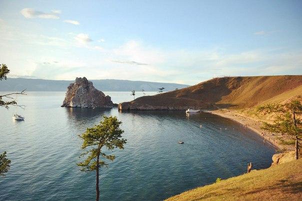 Байкал, Ольхон, мыс Бурхан (скала Шаманка)