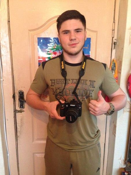 Потратил на Nikon D3200 KIT всего 1575 руб., в яндекс маркете на такой самая дешевая цена - 22000 руб. Прислали курьером, с чеком и полным комплектом.Фото прилагаю.