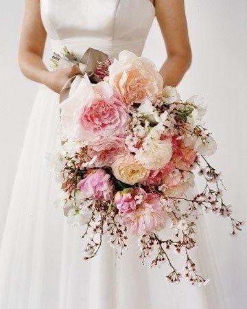 Цветущая вишня в свадебном оформлении
