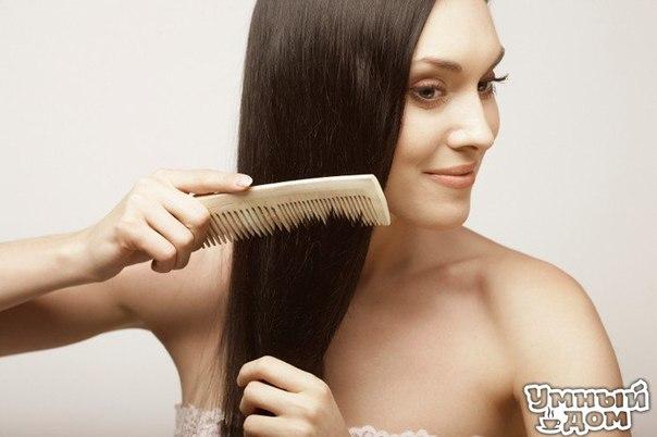 Народные средства против выпадения волос Выпадение волос — это контролируемый и естественный процесс для организма. Считается, что у здорового человека в среднем за сутки выпадает 40-50 волос, но некоторые специалисты также допустимым считают выпадение и до 100 волос. Примерно подсчитать количество выпавших волос можно после расчёсывания. Учесть также стоит то, что на кончике выпавшего волоса должна быть светленькая луковица. Если таковой не наблюдается, то это, скорее всего, отломанный волос.…