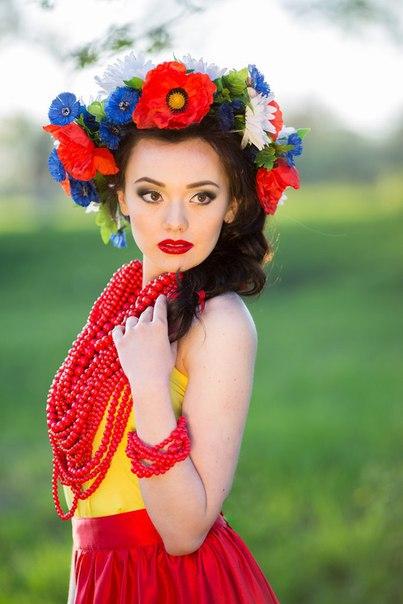 Model: Katherine Sinyova