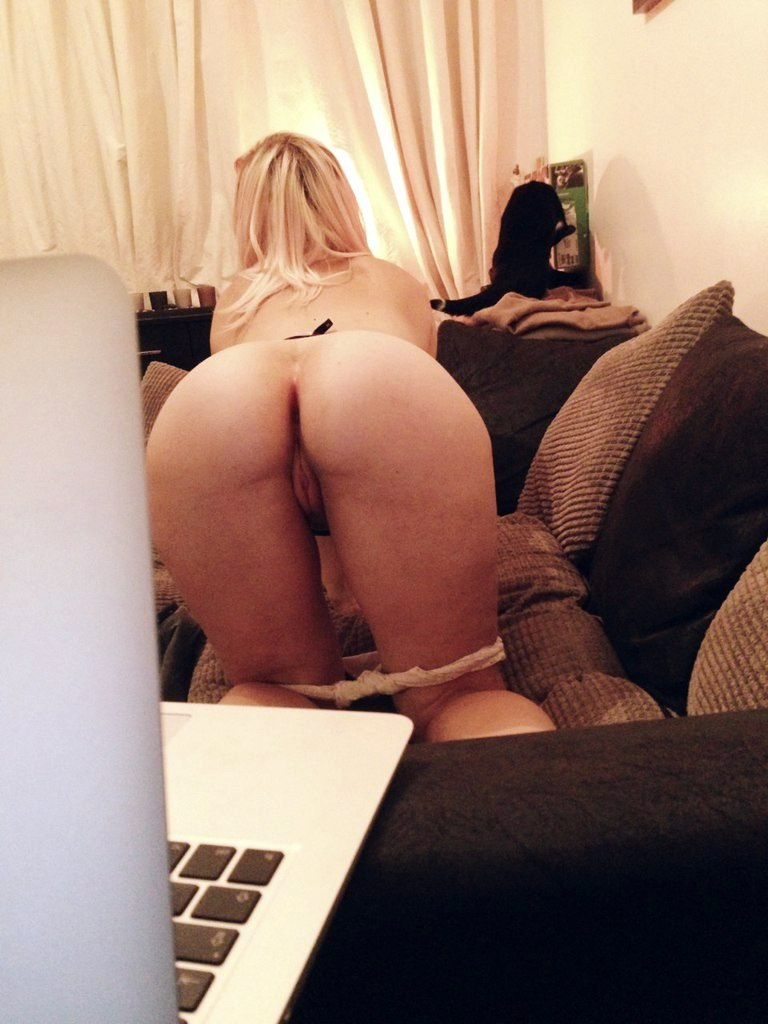 Girls nude changing video