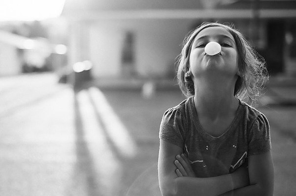 Почему наши дети не должны учиться на отлично Для меня, как и для многих других людей, учеба в университете прошла с твердым убеждением, что оценки решают все. Преподаватели и родители твердили, что высокая успеваемость откроет перед тобой все двери этого мира. Высокий балл – это ключ к успешной жизни. И я слепо верил их словам … Я помню время, когда учебой я доводил себя до полуживого состояния, только ради того, чтобы получить высокий балл на экзамене. И мне казалось, что все это имеет…