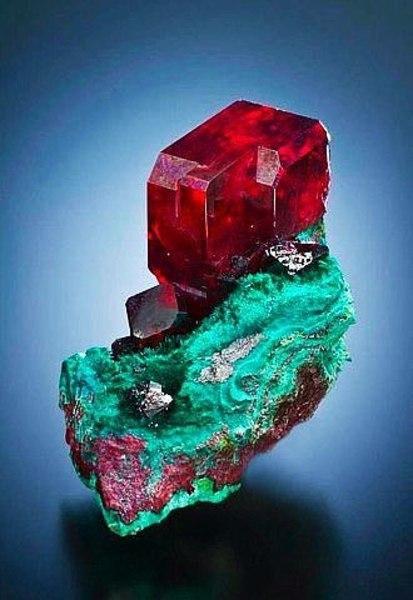 Кристаллы и минералы волшебной красоты.