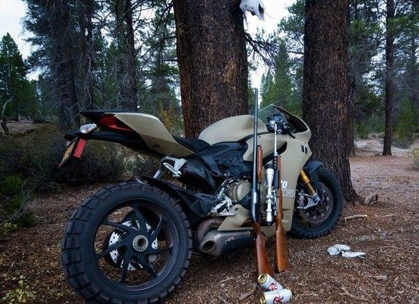 Для любителей прекрасного - внедорожный Ducati