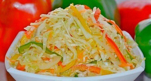 Осенний салат из капусты с перцем