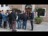 Mark Hoppus 15 Марта, ДР, первый раз выходит на улицу в этот день)