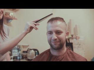 Пультовый стилист: Длинная простыня об аннексии в условиях пассивно-агрессивного роста волос.