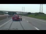 Дрифт на дороге! ( чувак отжег,  смешное видео, парень жжет на машине, мега прикол)
