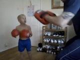 Маленький боец UFC