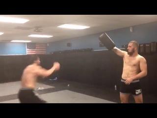 Чемпион Хусейн Халиев в Америке 2013  Планирует в UFC