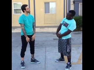 Когда ты и твой друг в одинаковых кроссовках (Vine)