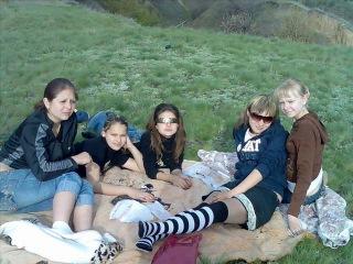 девочки просто чисто случайно копалась в компе и нашла это видео) было круто не так ли а посмотрите как мы одевались и для нас было это модно) крутые были времена