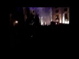 С Харьковского ОГА бросают светошумовые гранаты