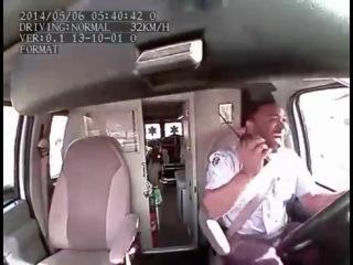Сумасшедший vogue за рулём скорой помощи