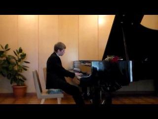 Играет Дмитрий Чоня.