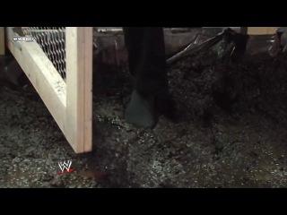 [WI]Miss WrestleMania Crown Hog Pen Match — Santina Marella vs. Chavo Guerrero & Vickie Guerrero (Extreme Rules 2009)