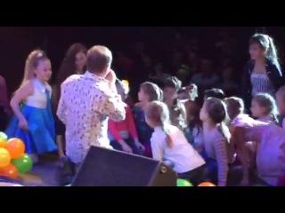 На ХХ городском детском конкурсе эстрадной песни «С песенкой по лесенке»