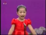 маленькая девочка китаянка поет)))