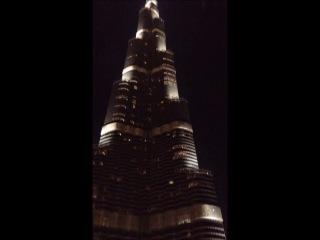 Поющий фонтан возле Бурж Халифа, ОАЭ, Дубай