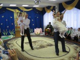 Папы с дочками танцуют для мам на 8 марта! (05.03.2014 г)